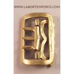 french tie buckle